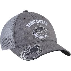 Vancouver Canucks nhl adidas travel training хоккейная бейсболка с сеткой